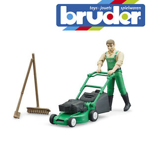 Bruder Bworld Gardener & Lawn Mower & Equipment Kids Childrens Toy Scale 1:16