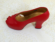 Just The Right Shoe Ravishing Red 25001 Miniature Collectables