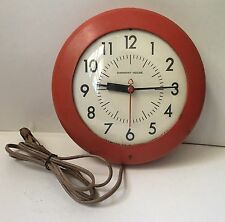 Vintage Harmony House Red Metal Kitchen Wall Clock Ingraham Co. NT-700