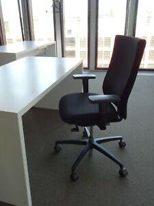 DAUPHIN Bürodrehstuhl mit Armlehnen  - schwarz