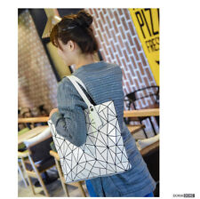 2018 Fashion tote laser Bag Women baobao hand Bags summer Geometric Big Bag