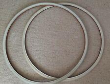 Unusual pair of white bicycle tyres / tires - 700 x 23c - 23-622 - good conditio