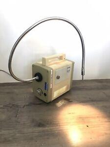 Schott Kaltlichtquelle KL 150 B Mit Schwanenhals