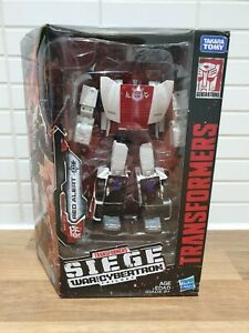 TRANSFORMERS RED ALERT SIEGE WAR FOR CYBERTRON DELUXE CLASS ACTION FIGURE
