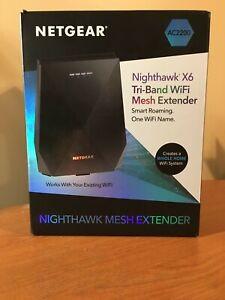 NETGEAR Nighthawk X6 EX7700 AC2200 Tri-band WiFi Mesh Extender