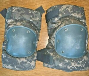 Genuine US Military Issue ACU Universal Camo Tactical Knee Pads SM MED LARGE VGC
