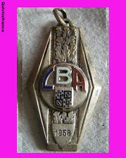 BG2961 INSIGNE LIGUE DE BOURGOGNE  ATHLETISME 1958