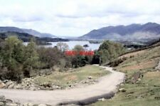 PHOTO  1979 GRANGE CUMBRIA THE ROAD TO ASHNESS BRIDGE WITH DERWENT WATER IN THE