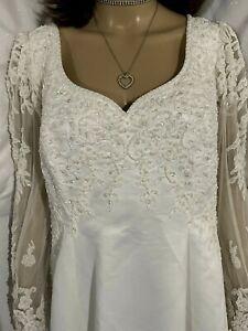 STUNNING White Mon Cheri Wedding Gown/Dress SZ 18W, bead/sequin/lace & veil