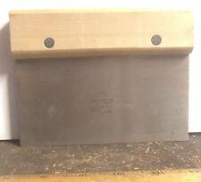 Lamson - Baker's Scraper with Wood Handle – P/N: Mil-S-17531 (Nos)