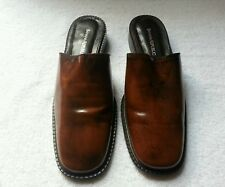 Women's Banana Republic Slip on shoes size 8.5M Brown leather