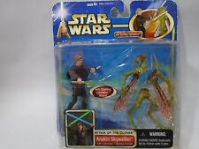 Star Wars AOTC Anakin Skywalker Slashing Lightsabers and Flying Geonosian