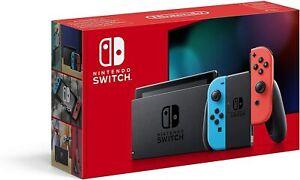 Console Nintendo Switch avec paire de Joy-Con Rouge Néon et Bleu Néon