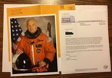 JOHN GLENN SIGNED 8X10 OFFICIAL NASA PHOTO ASTRONAUT  WAR FIGHTER PILOT  SENATOR