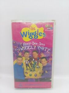 The Wiggles Hoop-Dee-Doo It's a Wiggly Party VHS Video 2001 PAL 45 Mins