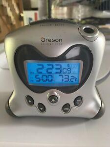 Oregon Scientific Atomic Projection Clock RM313PNA ~ Temperature/Time Zone/Alarm