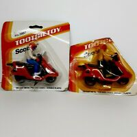 LOT OF 2 VINTAGE 1985 TOOTSIETOY SCOOTER FIGURE W/RIDER DIE CAST & PLASTIC #2867
