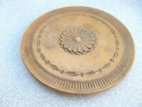 OLD ANTIQUE PRIMITIVE WOODEN ROUND PLATE WOOD CARVING
