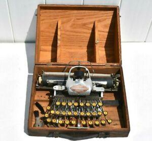 FINE ANTIQUE BLICKENSDERFER ALUMINUM TYPEWRITER NO. 6 WOOD CASE 501 SPECIAL