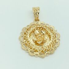 18k solid yellow gold round flower pendant 5.3 grams