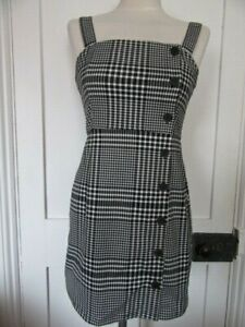 DIVIDED H&M BLACK & WHITE CHECK TARTAN PINAFORE DRESS OFF SET BUTTONS UK 8 NWTS