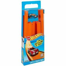 Hot Wheels BHT77 Straight Track Builder with Diecast and Mini Car Toy