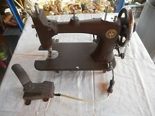 ** Nice Vintage Montgomery Ward MW Sewing Machine Model-E ** Works Great!