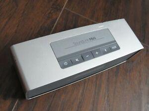 BOSE SoundLink Mini Travel Portable Bluetooth Speaker Silver Metal AUX Charger