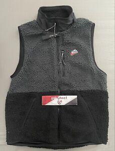 Nike Sportwear Sherpa Fleece Winterized Vest CD3142-045 Mens Size Medium