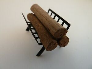 Dolls House Lounge Dining Accessory Miniature 1:12th Scale Wood Logs on a Grate