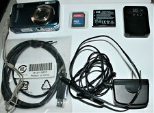 HP PhotoSmart R742 7.0 MP Digital Camera - Blue with everything works perfect
