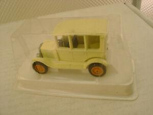 EFSI TOYS HOLLAND CREAM FORD MODEL T CAR SEDAN NEW IN BOX