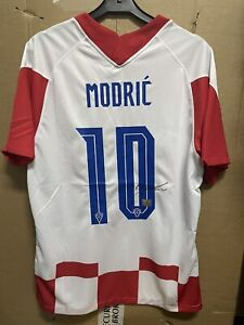 Signed Luka Modric Croatia shirt with Coa