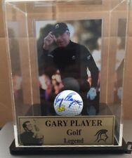 GOLF LEGEND GARY PLAYER SIGNED GOLF BALL IN DISPLAY CASE