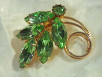 Vintage 1960's Green Rhinestone Navette Eternity Brooch - Wonderful  251D8