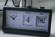 RETRO VINTAGE BLACK ALARM CLOCK TABLE CLOCK CALENDAR NEW*