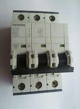 Siemens 32amp interruptor de circuito bipolar de triple tipo B (5sy63).