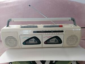 SAMSUNG 2 BAND STEREO RADIO DOUBLE CASSETTE RECORDER MODEL NO W-250