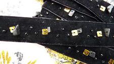 Ancien ruban en velours ou galon Art-Déco brodé de perles/sequins, jamais monté
