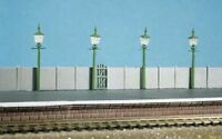 Ratio 213 NON WORKING Station or Street Lamps x 4 'N' Gauge Plastic Kit - 1st Po