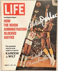 WILT CHAMBERLAIN & KAREEM ABDUL JABBAR Signed 3/24/1972 LIFE MAGAZINE - JSA LOA