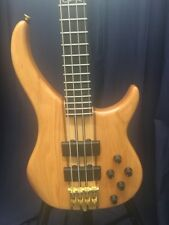 Peavey Cirrus 4 Bass Guitar W/Case
