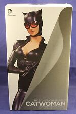 DC Comics Collectibles Catwoman Limited Edition Statue Cover Girls
