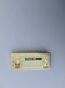 Fulham Football club division one champions 2000/01 white collectors pin badge