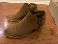 EUC*Steve Madden Womens Grey Suede  Ankle Boots Shoes*Womens Sz 10
