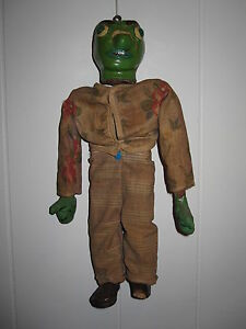 ANTIQUE AMERICAN FOLK ART WOOD PAPER MACHE GREEN TOY ARTICULATED  PAINTED DOLL