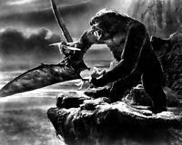 """FAY WRAY IN THE FILM """"KING KONG"""" - 8X10 PUBLICITY PHOTO (AB-793)"""