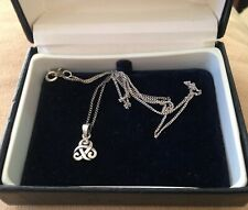 DAINTIEST-EVER VINTAGE STERLING SILVER CELTIC NECKLACE ON FINE CHAIN