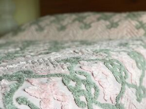 Vintage Cotton Chenille Bedspread Throw Cover 1940's or 1950's Pink & Green