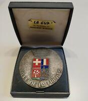 Médaille en métal argenté et émail VILLE DE LA TRINITÉ
